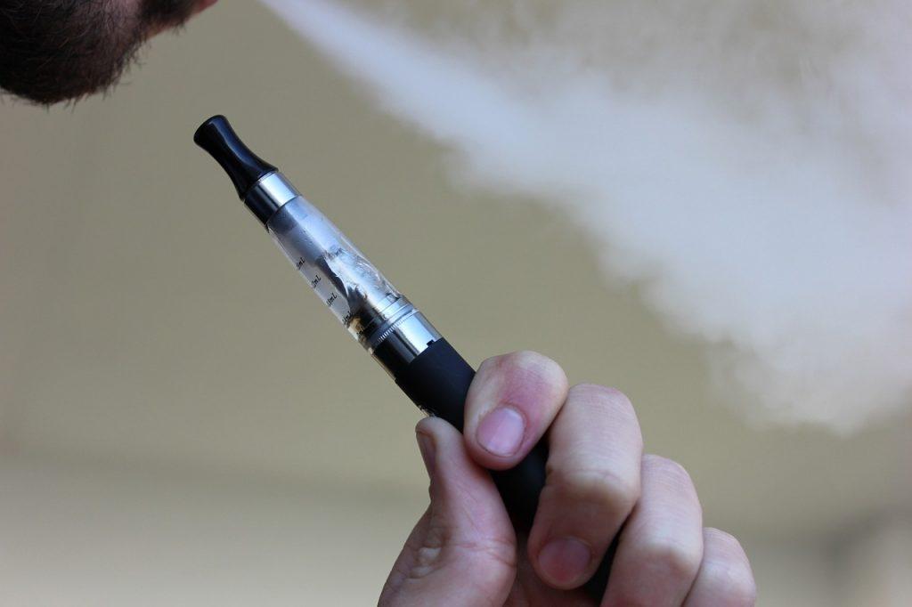 e-cigarette-1301664_1280